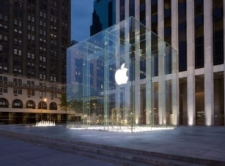 New York City's 5th Avenue Apple Store